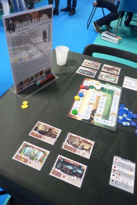 Paper Tales de Masato Uesugi (Welcom To The Dungeon, Twelve Heroes) est un petit jeu de draft en simultané.