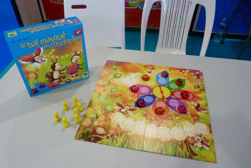 Le stand Matagot Kids avec sa nouvelle gamme de jeu pour les petits. Ici le bal masqué des coccinelles précédemment chez Selecta.
