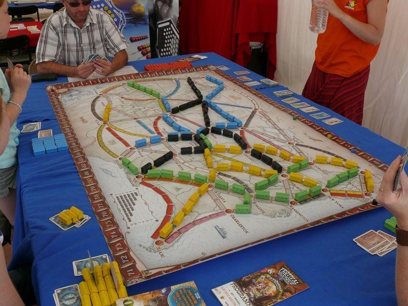"""<a href=""""http://www.jedisjeux.net/les-aventuriers-du-rail"""">Les aventuriers du rail</a>"""