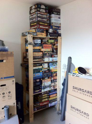 Chez Krissou après son déménagement : c'est les jeux qui tiennent le plafond