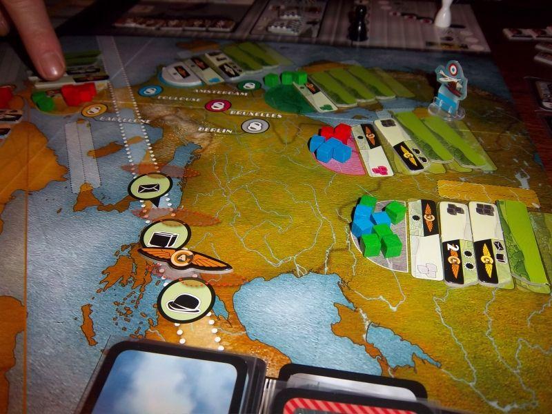 En haut, on peut remarquer que Toulouse est devenu le monopole...de la Luftansa de monsieur Tyrion !