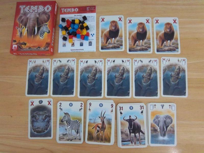 Un aperçu du matériel de jeu. Des cubes, des prédateurs, des proies... et de solides éléphants.