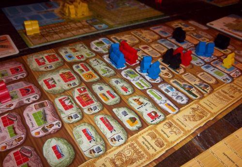 """Une vue du plateau actions (avec les vikings """"peons"""" comme dirait monsieur Franz) en cours de jeu..."""