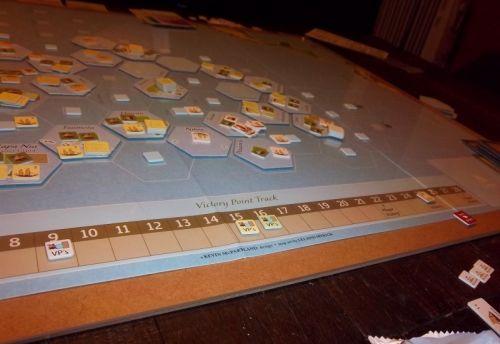 Situation finale au Sud-Ouest de la carte et la position des marqueurs de scores. Monsieur Luc termine largement devant.