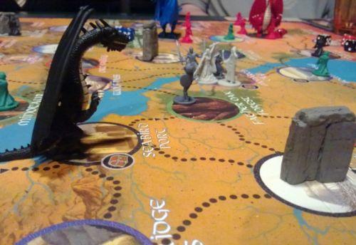 Nous sommes presque tous à Monarch city et les dragons approchent...