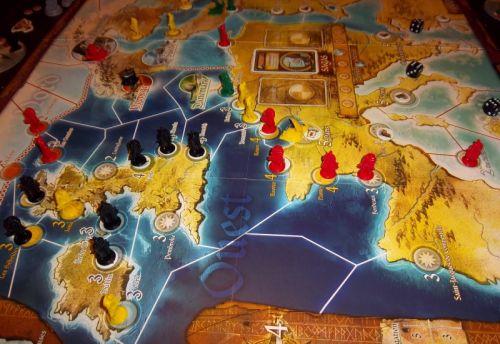 Une vu du plateau vers la fin de la partie... Oui, il y a maintenant des colonies vikings un peu partout.