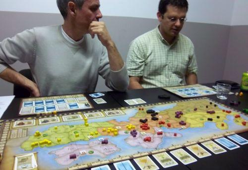 La partie a commencé, et les négociation aussi. Melias vient de perdre un combat (une vraie boucherie) contre Zhor