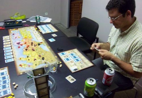 """La solitude du """"programmeur""""...Melias joue ici un tour difficile pour lui."""