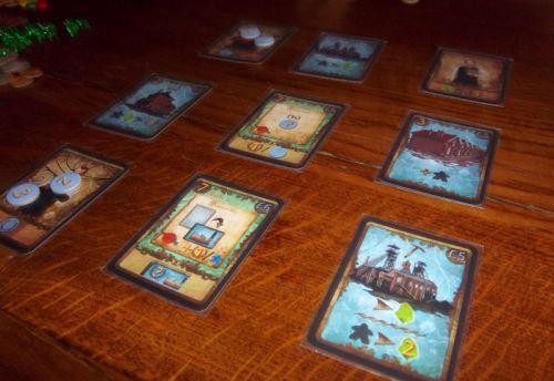 Quelques photos des cartes du jeu, mais je ne sais plus à quelle partie elles correspondent....